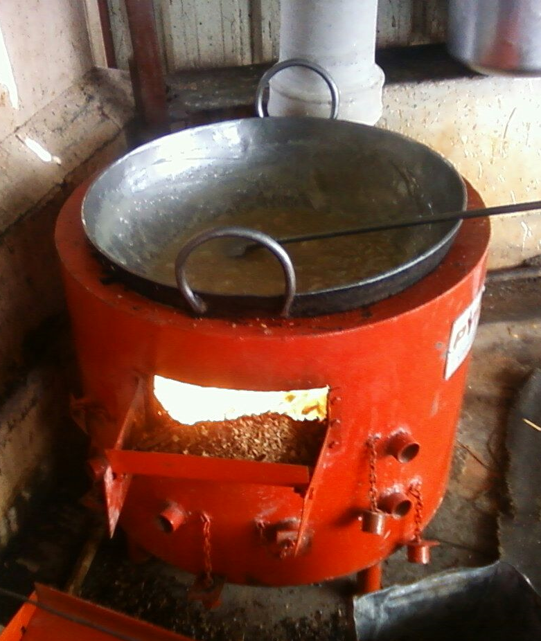 Loose biomass fired stove for commercial cooking(2014)Phase I