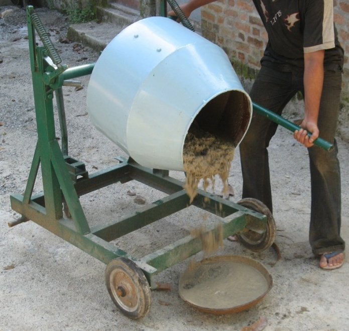 Hand operated cement mortar mixer(2013)Phase I